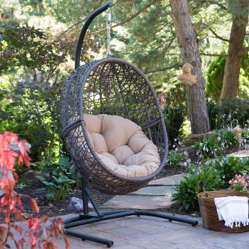 Island Bay Hanging Chaise Loungers